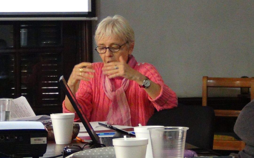 Taller de investigación con experta en archivos Anne Pérotin-Dumon