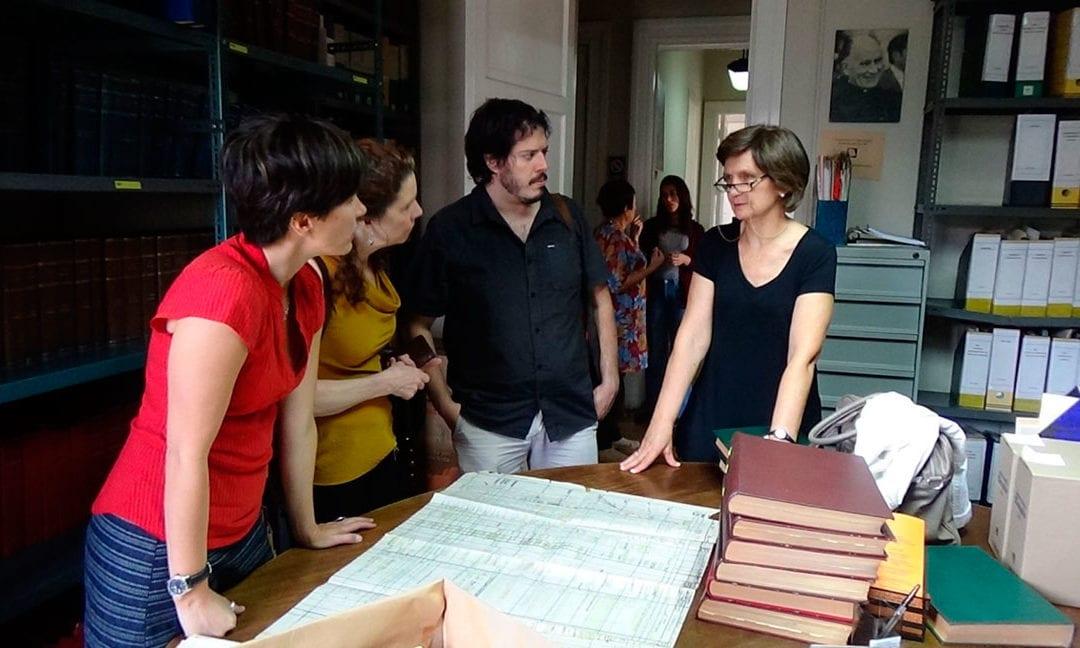 Visita de investigadores de la Universidad de Oxford a la Fundación Archivo y Centro de Documentación de la Vicaría de la Solidaridad