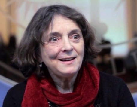 """Elizabeth Lira, co-investigadora de """"Tecnologías Políticas de la Memoria"""" gana Premio Nacional de Humanidades y Ciencias Sociales 2017"""