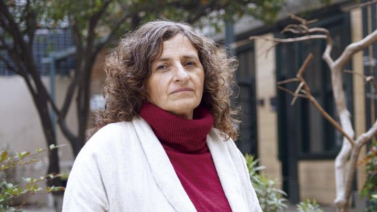 """""""La escuela puede construir lazos sociales, construir comunidad, construir sentidos comunes"""" Entrevista a Sandra Raggio por The Clinic"""